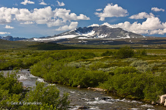 Photo: Snøhetta, 2286 metres above msl, is the highest mountain in Dovrefjell, and the highest in Norway outside Jotunheimen