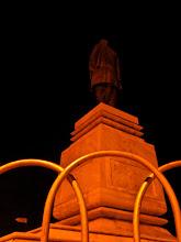 Photo: Patel Statue at night