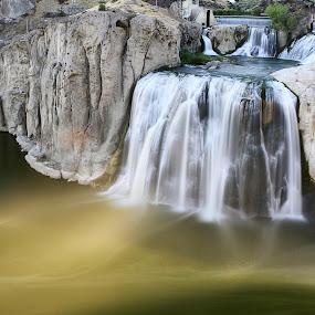 Shoshone Falls by Lisa Kidd - Landscapes Deserts ( shoshone falls, waterfall )