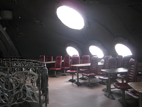 Photo: ...i siadamy przy jednym z tych stołów