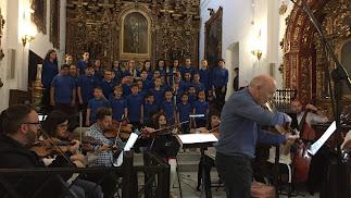 Grabación con los niños del Coro Infantil Pedro Mena.