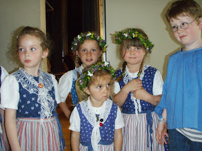 Photo: Die Mädchen mit  schönem Kopfschmuck