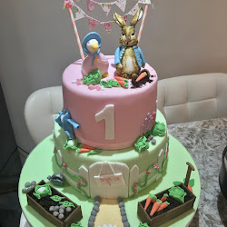 Peter Rabbit Baby's 1st birthday cake