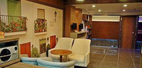 Paldogangsan Guesthouse