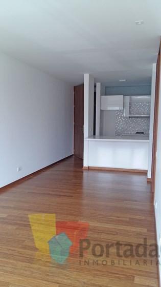 apartamento en arriendo poblado 679-16056
