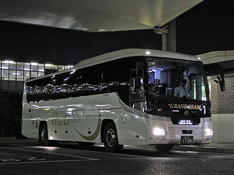 中国JRバス「グランドリーム横浜・東京2号」 1708 岡山駅西口入線