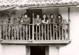Photo: Curra, Cuqui, Piedauca, Pilarin y Josefina.