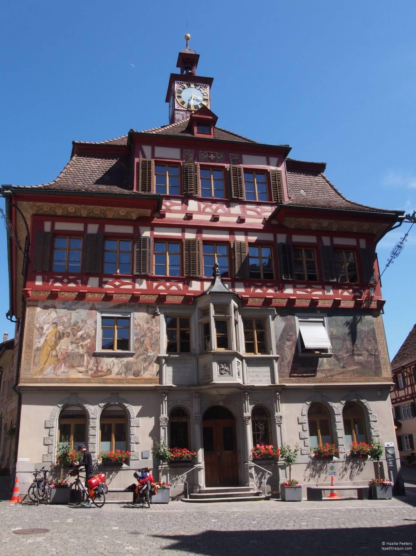 Rathaus Stein am Rhein (Le petit requin)