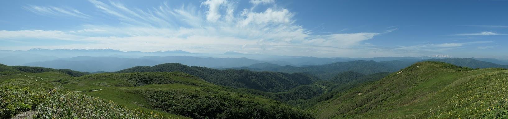 山頂からパノラマ(東)