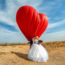 Wedding photographer Vladimir Amangaliev (Pavv). Photo of 08.10.2014