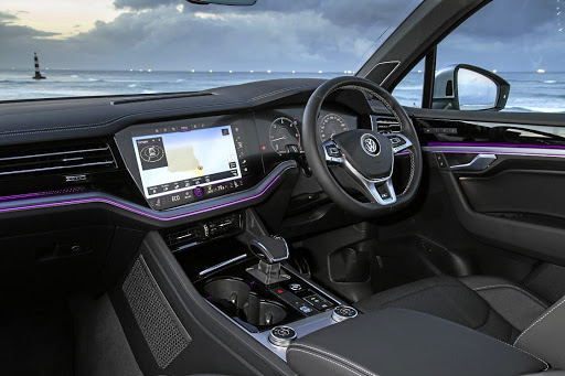 The Innovision Cockpit is stylish, comprising a 30.4cm digital instrument cluster which flows into a 38cm central infotainment hub.