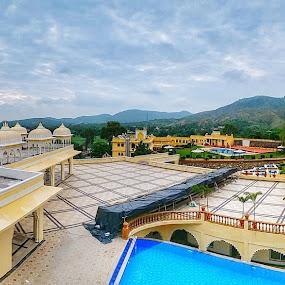 Kumbhalgadh Palace by Himanshu Jethva - Buildings & Architecture Public & Historical ( sky, queen, royal, rajasthan, kumbhalgadh, india, palace, king, heritage, panoramic, panorama )