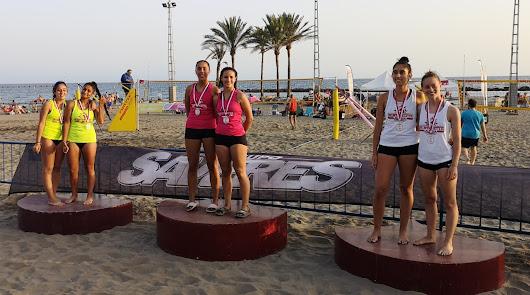 Almería saluda a sus campeones del voley playa