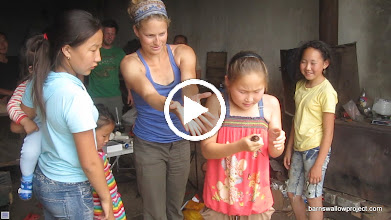 """Video: An excited girl releases a bird at our site """"Big Show"""" near the Russia-Mongolia border"""