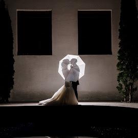 Umbrella by Klaudia Klu - Wedding Bride & Groom