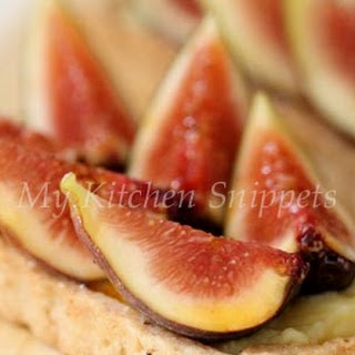 Fresh Fig Tarts with Pastry Cream and Walnut Crust.