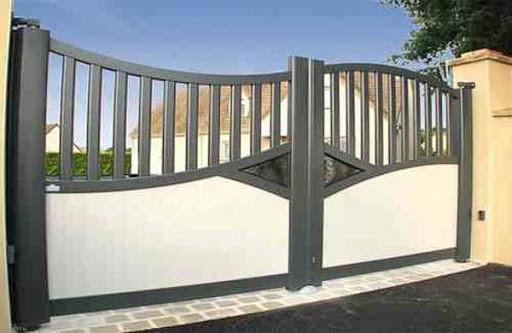 Minimalist Fence Design Idea