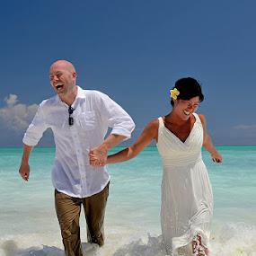 Fun in the Sun by Andrew Morgan - Wedding Bride & Groom