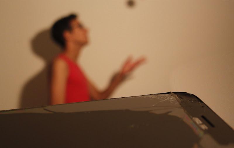 Si dice che la rottura di uno smartphone possa provocare un'uragano di immaginazione dall'altra parte del mondo. di jolaje