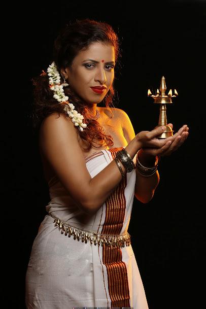Nastiya-Roy-traditional-photoshoot