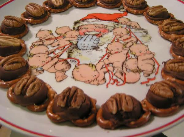 Pretzel Turtles -  Dee Dee's Recipe