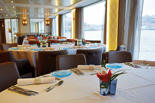 CC-Hemming-Torgil-Restaurant.jpg - Dine in style and watch the passing landscapes while exploring Portugal and Spain on your Viking Longship.
