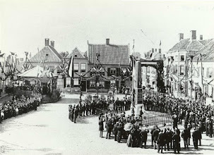 Photo: 1898 onthulling gedenknaald Haagsemarkt op 31 aug