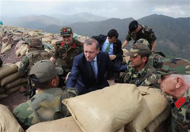 ترکیه به دنبال کنترل مثلث قندیل، شنگال و دیرک است