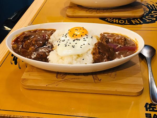 佐藤咖哩 Sato Curry復興店,香濃咖喱配上香Q白飯超美味,半熟蛋超級誘人
