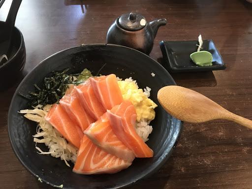 壽司飯是熱的...