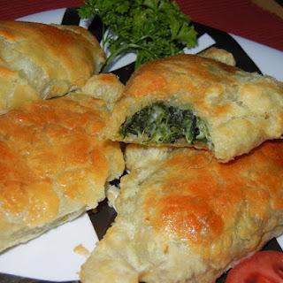 Easy Garlic Spinach Cheese Empanadas