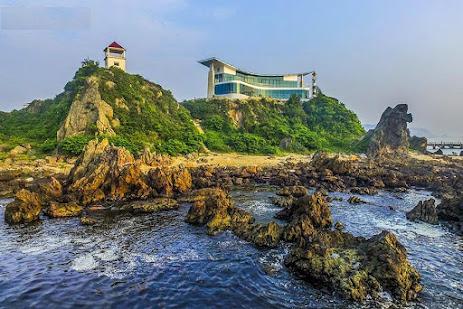 Đảo Lan Châu nhìn từ ngoài khơi