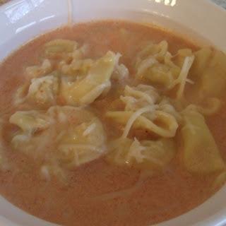 Creamy Tomato Tortellini Soup