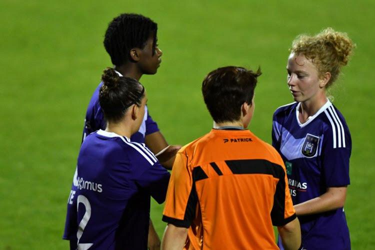 Anderlecht wint ruim en is alleen leider in Super League, ook Standard en Genk doen het