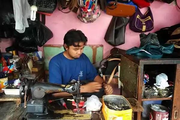 Peluang Usaha Reparasi Sepatu dan Tas