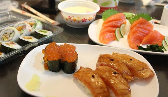 普通的「阿裕壽司」,但很平價所以到想打包幾盒回台北吃(推薦鮭魚肚炙燒壽司、阿裕壽司菜單) 台中北區美食▌