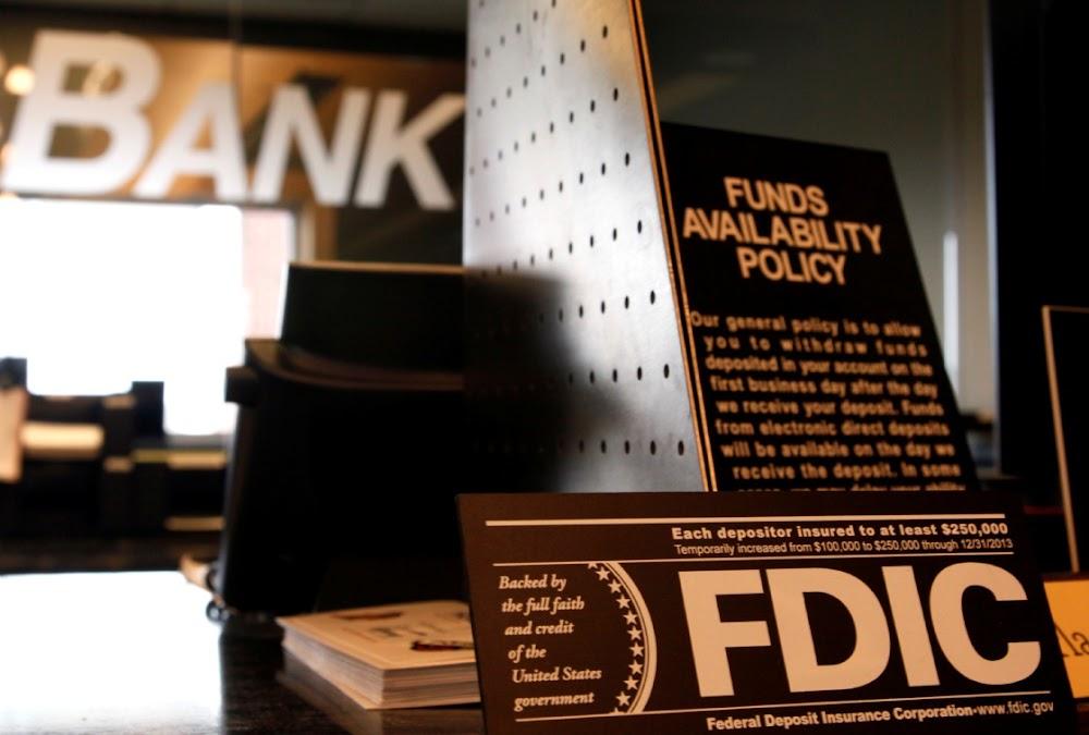 Amerikaanse reguleerders oorhandig Wall Street 'n groot oorwinning met die gestroopte Volcker-reël