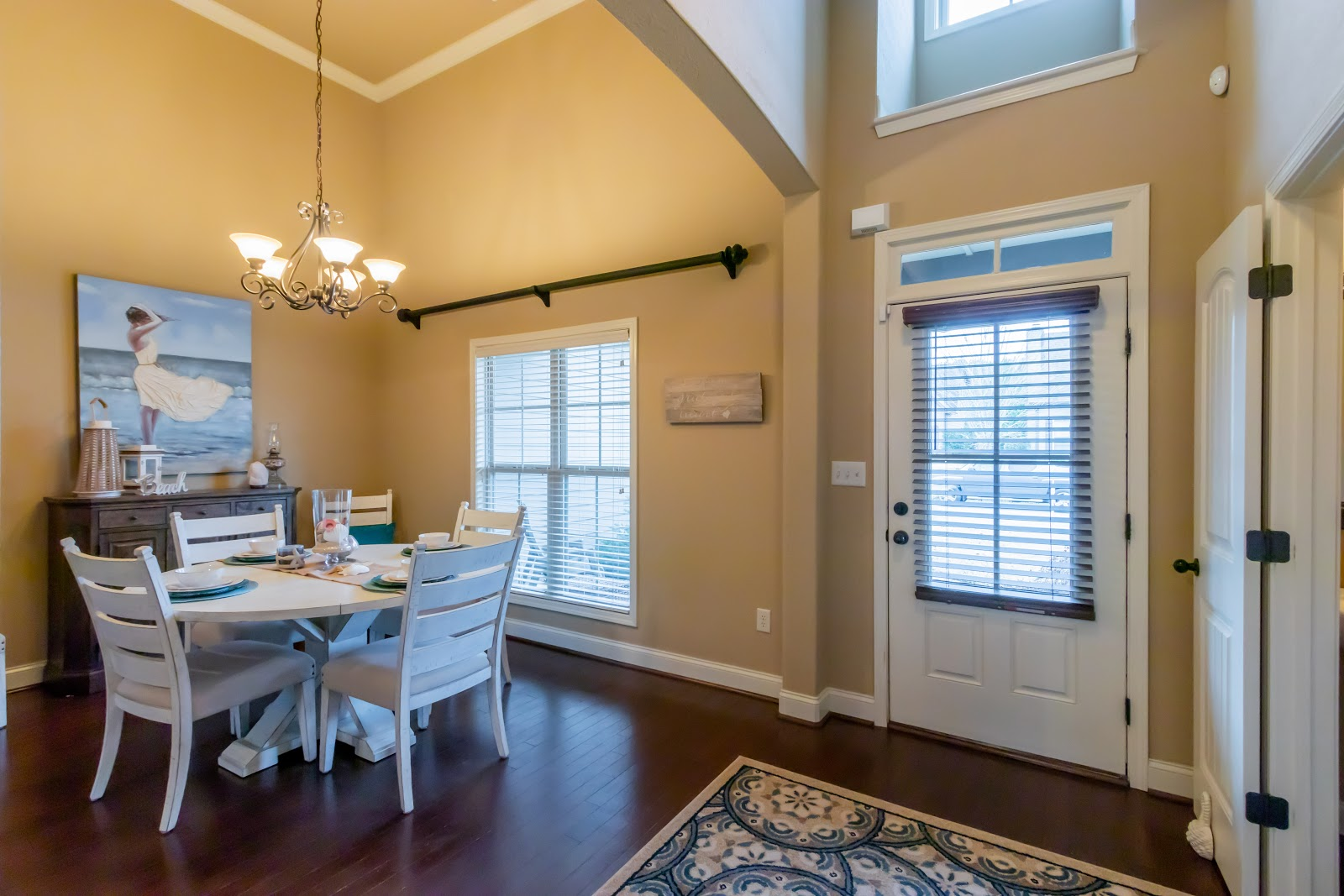 How to Stage Your Entryway and Dining Room - Dianna Howell