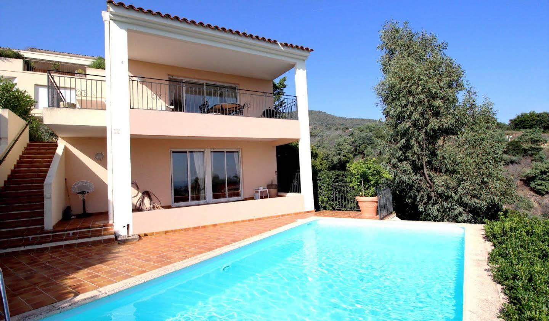 Apartment with terrace Mandelieu-la-Napoule
