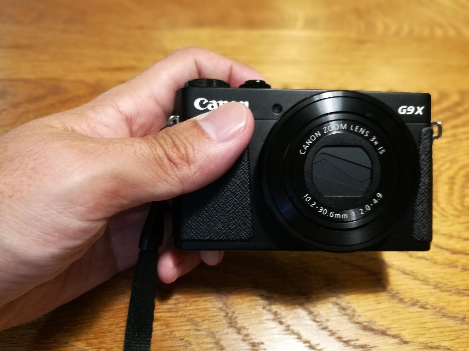 Canon G9X 小さいです