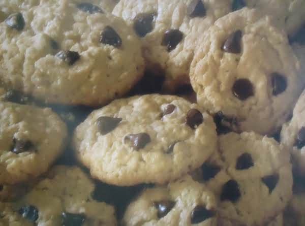 Quick & Easy Chocolate Chip Oatmeal Cookies Made From A Cake Mix Recipe
