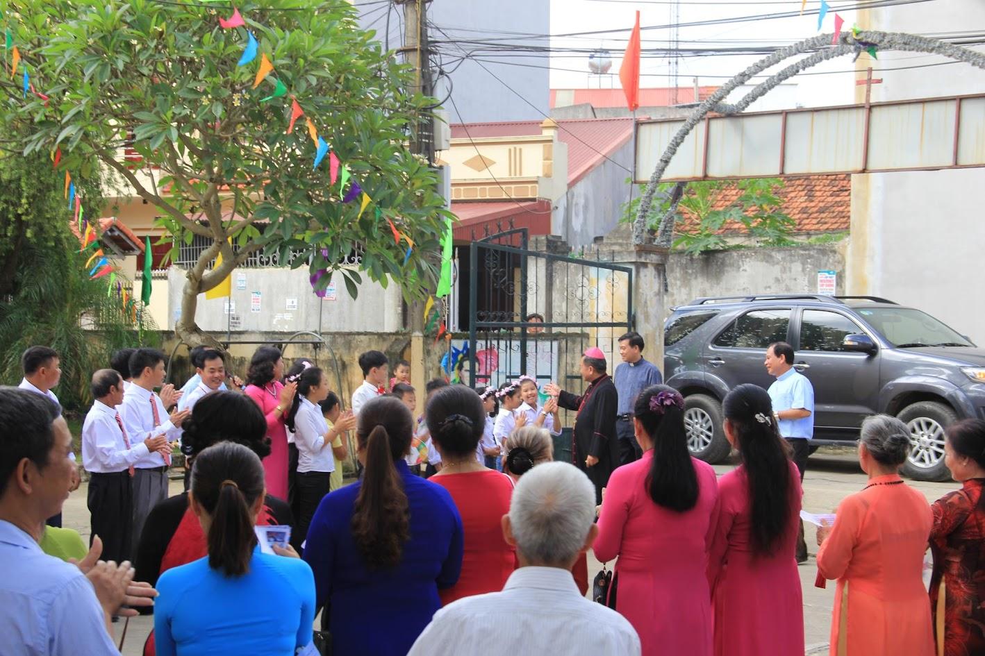 Giáo xứ Ngạn Sơn: Thánh lễ Bổn mạng và Làm phép Nhà mới - Ảnh minh hoạ 3
