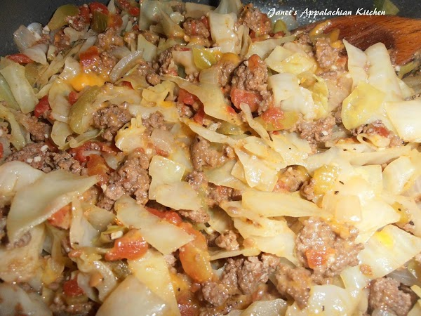 Cheesy Ground Beef And Cabbage Skillet Recipe