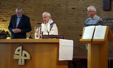 Photo: Overweging tijdens de Eucharistieviering op zondagmorgen in de Gerarduskapel