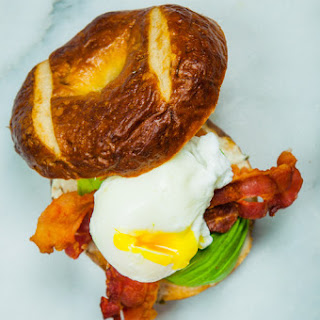 Hommie Bagel With Egg, Bacon And Avocado.