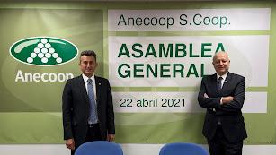Alejandro Monzón, presidente, y Joan Mir, director general de Anecoop