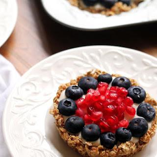 Healthy Breakfast Fruit and Granola Tarts.