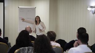 Silvia García durante una de sus ponencias.