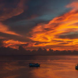 Sky by Valeriy Ryasnyanskiy - Landscapes Sunsets & Sunrises ( sky, island, sunset, thailand, cloudscape, after sunset,  )