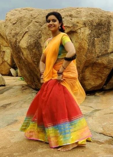 Colors-Swathi-holds-lehenga-in-half-saree